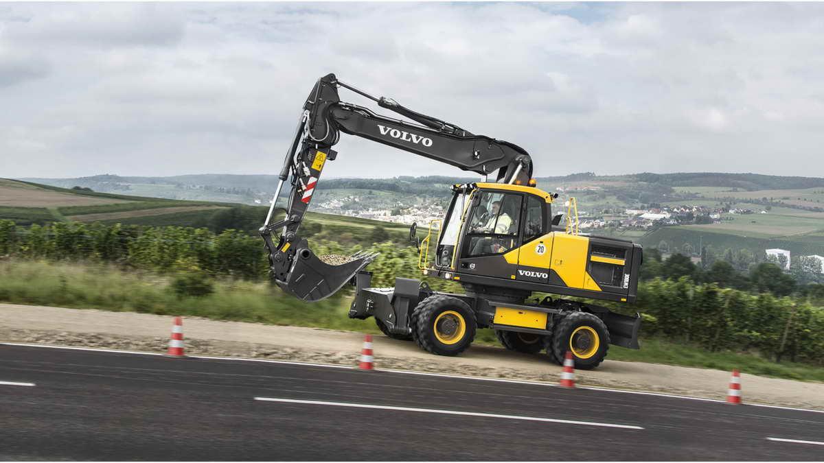 Volvo_EW180E_wheeled_excavator.555b4c50b85ce