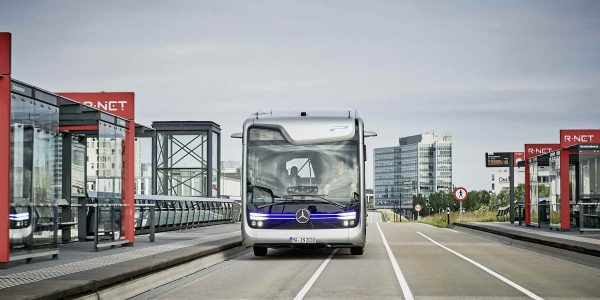 2016-mercedes-benz-future-bus-2