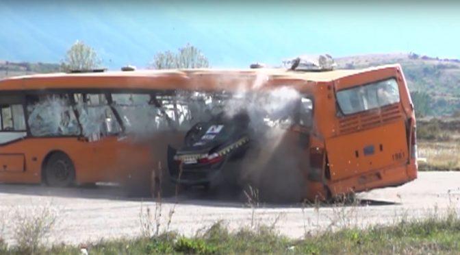 Краш-тест со 208 km/h (видео)